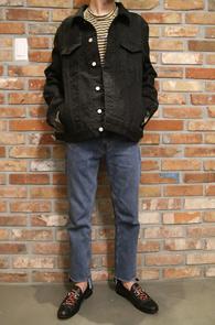 Black Washing Denim Jacket<br>블랙컬러, 은은한워싱<br>베이직한 디자인의 데님자켓