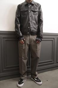 Black Fake Leather Jacket<Br>블랙컬러, 페이크레더소재<br>베이직한 디자인의 레더 자켓