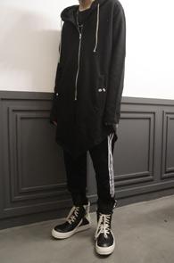 Black Long Hood Zip-up<br>블랙컬러, 롱한 기장감<Br>유니크한 디자인의 롱 후드집업