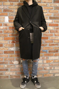 Basic Black Single Wool Coat<br>블랙컬러의 기본 디자인<br>베이직한 디자인의 싱글 코트