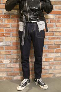 Indigo Blue Out Pocket Denim<Br>인디고 블루 생지 컬러<br>유니크한 포켓 디자인의 데님팬츠