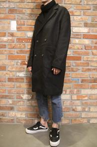 Black Wool Double Coat<br>블랙컬러의 블랙 소재<br>베이직한 디자인의 더블코트