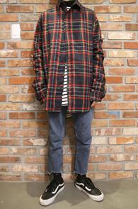 Black Wool Heavy Box Fit Shirts<br>두꺼운 울소재, 박시한 핏감<br>체크패턴의 헤비 울 셔츠