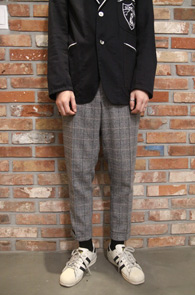 Grey Big Check Slim Slakcs<br>빅체크 패턴의 그레이 컬러<br>울소재의 두꺼운 슬림 슬랙스