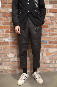 Dark Grey Turnup Wool Slacks<br>다크그레이컬러의 롤업디테일<br>울소재의 슬림 슬랙스