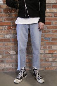 Light Blue Cutting Denim Pants<Br>연청컬러, 언발란스한 밑단 컷팅<br>밝은 컬러감의 데님팬츠