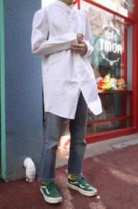 White Long China Neck Shirts<br>화이트컬러, 롱한 기장감<br>차이나카라의 롱 셔츠