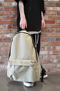 Beige Cotton Basic Backpack<br>베이지컬러, 코튼소재<br>심플한 디자인의 기본 백팩