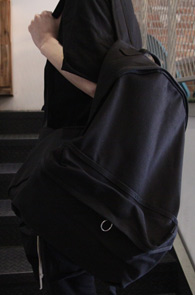 Black Cotton Tape Backpack<br>블랙컬러, 코튼소재<br>심플한 디자인의 기본 백팩