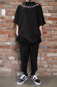 Black Unfallen Long Tshirts<br>블랙컬러, 프린팅 디테일<br>롱한 기장감이 돋보이는 티셔츠