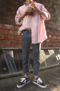 2 Color Over Fit Stripe Shirts <br>박시한 핏감, 스트라이프 패턴<bR>오버핏으로 제작된 스트라이프 셔츠