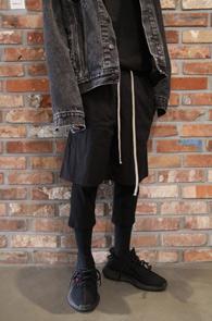 Black Leggins Baggy Pants<Br>블랙컬러, 레깅스 디테일<br>이중 디테일의 배기 팬츠