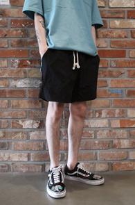 2 Color Pocket Short Banding Pants<Br>카키와 블랙 두가지 컬러<br>짧은 기장감의 하프팬츠