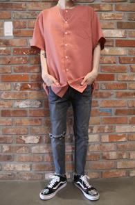 2 Color Round Collar Shirts<br>인디핑크, 블랙 두가지 컬러<br>논카라디자인의 하프셔츠