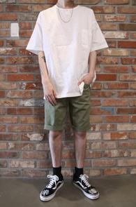 Ivory Henry Neck T-Shirts<Br>아이보리컬러, 얇은 소재감<br>색다른 느낌의 헨리넥 티셔츠