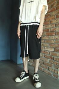 Black Banding Half Pants<Br>블랙컬러, 쭈리원단<br>편안한 착용감의 밴딩팬츠