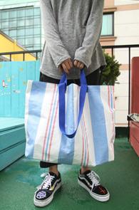 Stripe Recycle Market Bag<br>스트라이프패턴, 리사이클 원단<br>유니크한 소재감의 마켓백