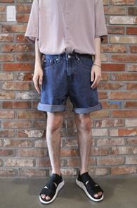 2 Color Half Denim Pants<Br>연청과 중청 두가지 컬러<BR>베이직한 디자인의 하프 데님팬츠