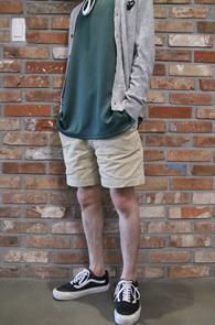 Beige Cotton Banding Half Pants<br>베이지컬러, 코튼 소재<br>편안한 밴딩 디테일의 하프팬츠