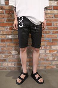 Black Coating Half Pants<Br>은은한 코팅 가공 원단<br>깔끔한 디자인의 하프 코팅 팬츠