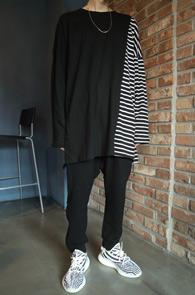 Black Stirpe Mix T-Shirts<Br>블랙컬러, 코튼소재<br>스트라이프 패턴 믹스의 티셔츠