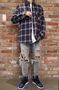 Flannel Navy Check Shirts<Br>두툼한 소재감, 체크패턴<br>가을 겨울철 활용하기 좋은 체크셔츠