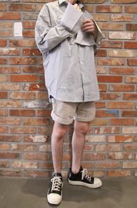 Stripe Over Fit Shirts<br>스트라이프 패턴, 오버핏<br>커프스 디테일이 멋스러운 오버셔츠