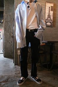 Sky Blue Cuffs Over Fit Shirts<br>스카이 블루 컬러, 박시한 핏감<br>커프스 디테일이 매력적인 커프스 셔츠