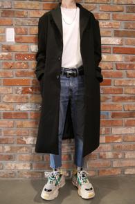2 Color 3 Button Long Coat<BR>블랙과 인디 핑크 두가지 컬러<BR>긴 기장감의 투컬러 롱코트