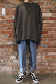 Chacoal & Black Layered Knit<br>블랙과 차콜 두가지 컬러<br>부클소재의 사이드 트임 니트
