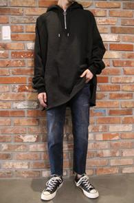 Black Box Anorak Hood T-Shirs<br>블랙컬러, 박시한 핏감<br>여유있는 실루엣의 아노락 후드