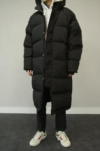 Black Long Down Padding Jumper<br>블랙컬러, 볼솜 충전재<br>한겨울철 착용 가능한 롱패딩