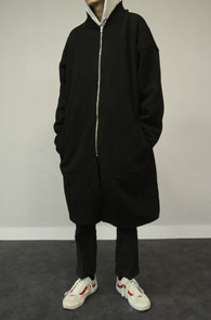 Black Kint Long Zipup Cardigan<br>블랙컬러, 니트소재<br>깔끔한 디자인의 롱 니트 가디건