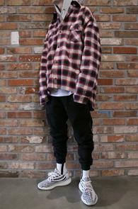 Red Flannel Check Shirts<br>웨스턴풍의 레드 체크 소재<br>레이어드하기 좋은 플란넬 체크셔츠