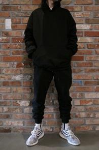 Black Scatch Line Hood T-Shirts<Br>블랙컬러, 사이드 라인 디테일<br>스카치 라인의 블랙 후드티셔츠