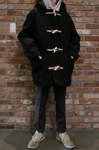 2 color Half Zeze Duffle Coat<br>2컬러의 하프 기장<br>캐쥬얼한 디자인의 더플코트
