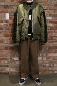 Khaki Fur MA-1 Jacket<Br>카키컬러, 퍼 디테일<br>색다른 디자인의 MA-1 점퍼