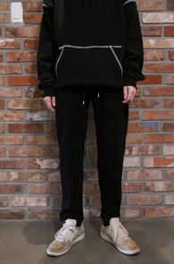 Black Tech Training Pants<Br>블랙컬러, 기모안감<br>편안하고 따뜻한 테크 트레이닝 팬츠
