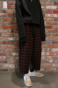 FW Red Check Crop WIde Pants<Br>레드체크컬러, 크롭 기장감<br>모직소재의 와이드 팬츠