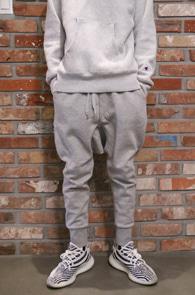 Grey Baggy Jogger Pants<br>그레이컬러, 배기핏감<br>조거 디자인의 블랙 팬츠