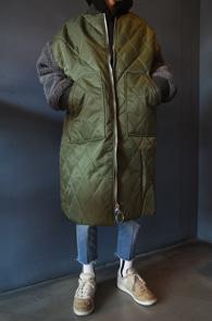 Quilting Fur Long Jumper<br>퀼팅디테일,소매 퍼 디테일<br>편안한 착용감의 퀼팅 점퍼
