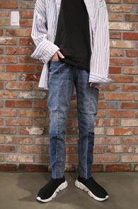 Blue Washing Two Tone Denim Pants<br>중청톤의 워싱 컬러감<br>절개 디테일의 투톤 데님팬츠