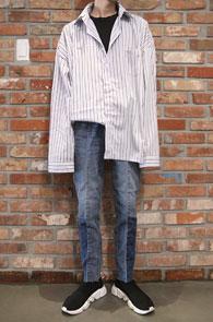 Over Fit Stripe Shirts<br>스카이 블루톤, 박시한 핏감<br>여유있는 실루엣의 오버핏 셔츠