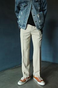 2 Color Half Banding Slim Slacks Pants<br>베이지컬러, 밑단 트임 디테일<br>하프 밴딩 디테일의 슬랙스 팬츠