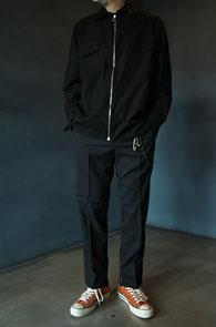 Black Cotton Zipper Jacket<Br>블랙컬러, 코튼소재<br>깔끔한 디자인의 집업자켓