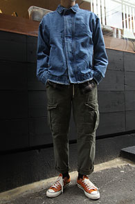 Biker Denim Jacket<br>바이커 타입의 싱글 집업<br>심플한 디자인의 데님 점퍼