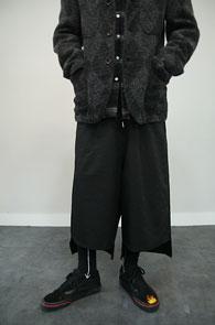 Black Unblance Wide Training Pants<Br>블랙컬러, 언발란스 기장감<br>여유있는 실루엣의 와이드 슬랙스