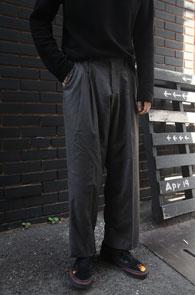 Grey Wide Slacks Pants<Br>그레이컬러,와이드한 핏감<br>여유로운 실루엣의 슬랙스 팬츠