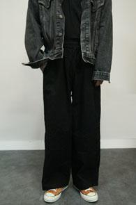 Black Cotton Banding WIde Pants<br>블랙컬러, 코튼소재<br>밴딩 디테일의 와이드 팬츠